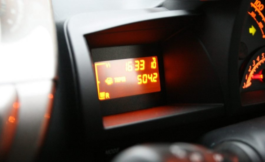 toyota iq fuel economy dashboard display