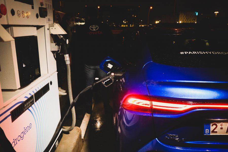 Mirai refuelling